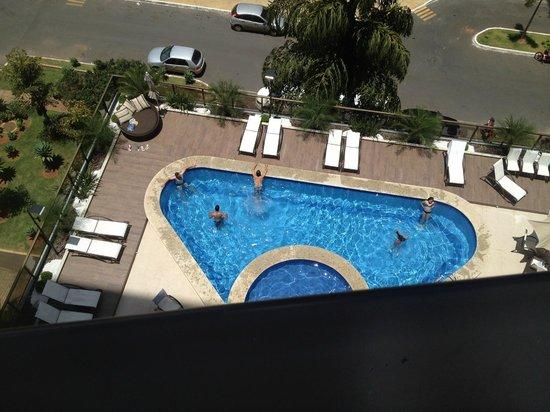 Kubitschek Plaza Hotel: Visão a partir do apartamento - piscina