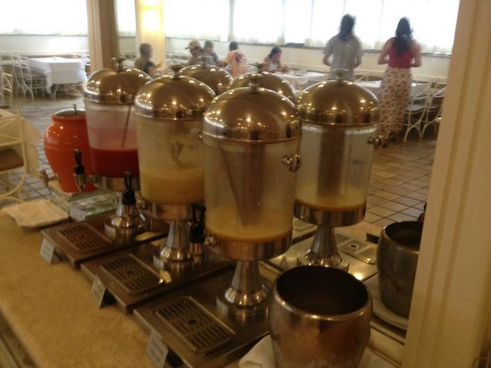 Kubitschek Plaza Hotel: Café da manhã - sucos