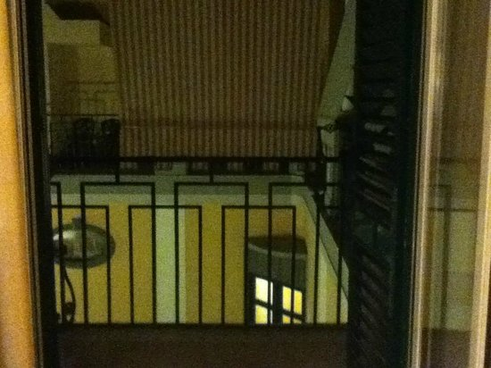 Starhotels Terminus : View from balcony into enclosed courtyard