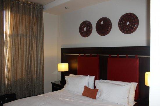 Peermont Mondior at Emperors Palace: Bedroom