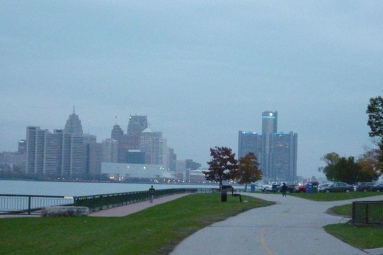 University of Windsor: View of Detroit skyline from the University