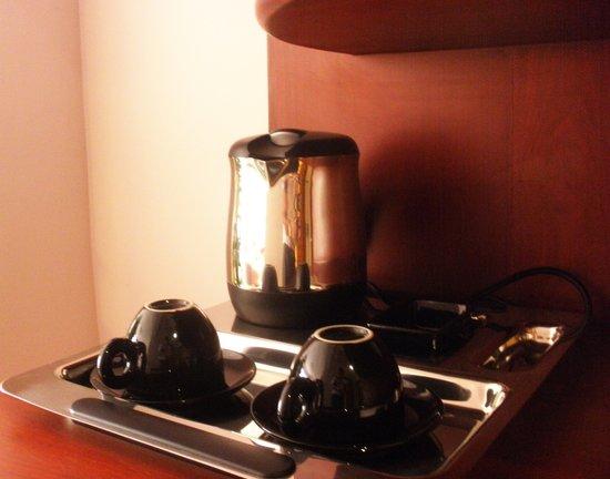 Regency Angkor Hotel: Coffee/Tea making facilities