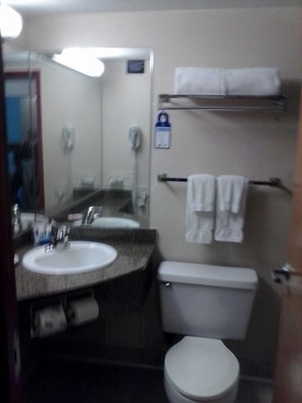 Best Western Plus Tacoma Dome Hotel: bathroom