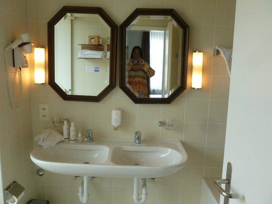 Walhalla Hotel: Bathroom