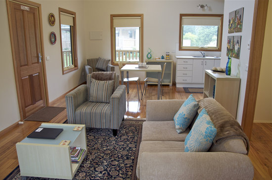 Roosters Rest: Sebright Living Room