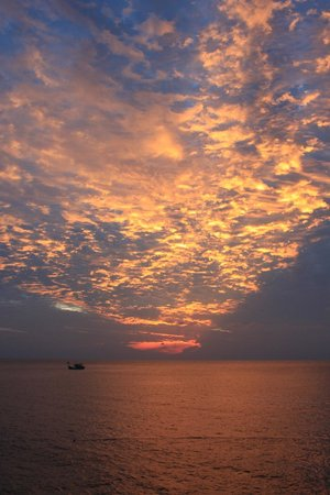 Seaventures Dive Rig: Sunset view from the rig