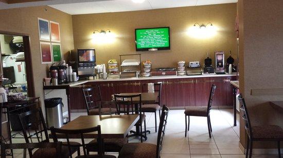 Comfort Inn Clearfield: Breakfast area