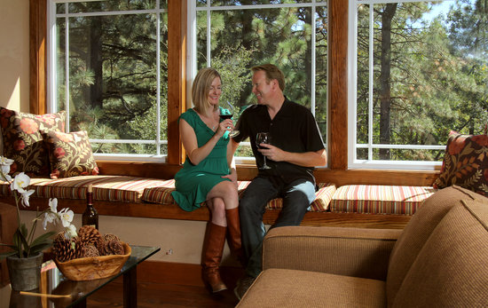 The Grand Idyllwild Lodge : Romance is always in season at the Grand!