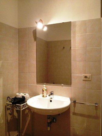 B & B Cimatori: bathroom