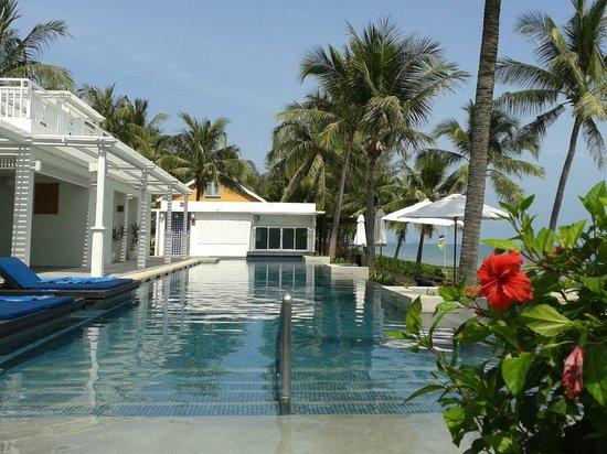 NishaVille Resort : Smaller Pool View