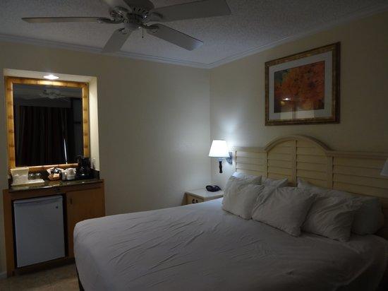 Comfort Suites Paradise Island : room