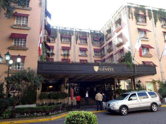 Hotel Geneve Ciudad de Mexico : Front view of the hotel