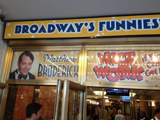 Imperial Theatre : Sign