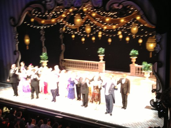 Imperial Theatre : Show