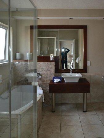 Hotel Zum Kaiser: bathroom