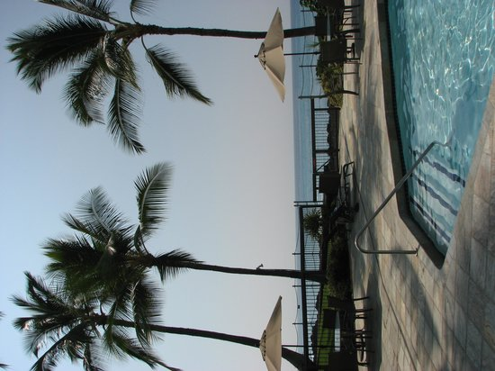 Kanaloa at Kona: beach front pool