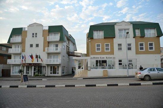 Hotel Zum Kaiser: hotel building complex