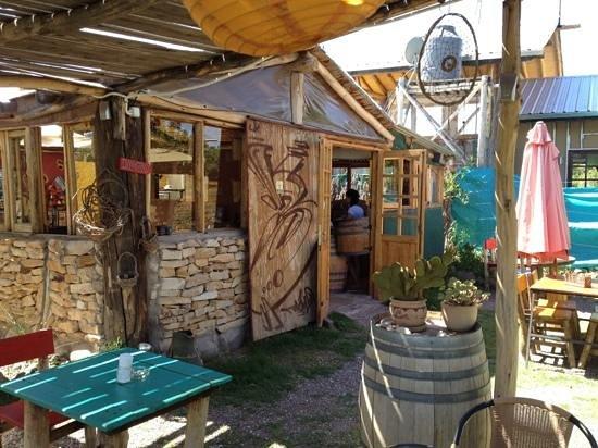 Coquimbito, Argentina: beergarden in Maipu