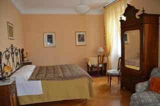 Hotel Olivedo: Bedroom