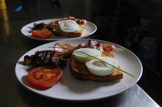 Tuck Inn Yarra Valley: Cooked Brekkie