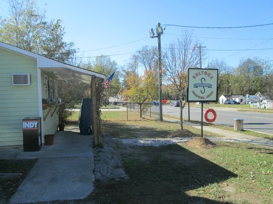 Saltbox Seafood Joint: View of the restaurant looking south.  No tables outside in the late fall