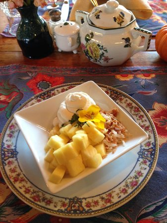 The Inn at Round Barn Farm: Toasted coconut, pineapple and more!