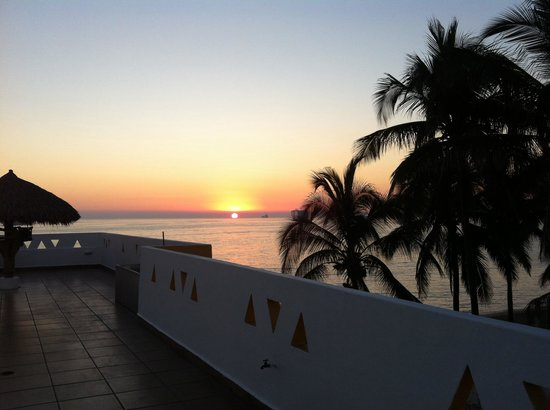 Concierge Inn Santa Cecilia : Atardecer en Terraza del Hotel