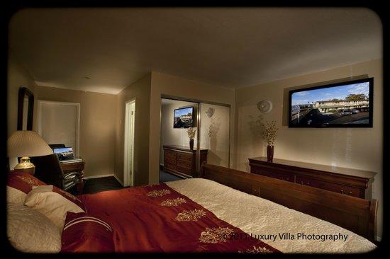 Crystal Lodge Motel: King Suite