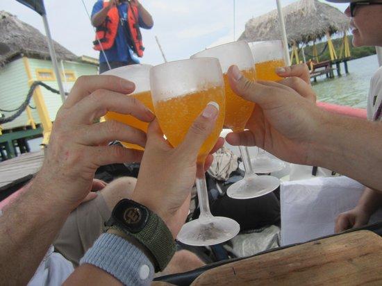 Popa Paradise Beach Resort: Mimosas on boat ride to Popa Paradise