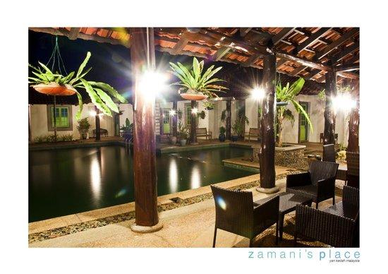 Zamani's Place: Pool side