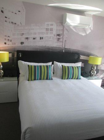 Oaks On William : Huge comfy king size bed