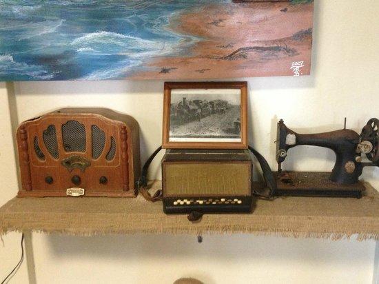 Tuna Point Lighthouse: The radio still working!!