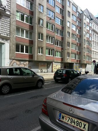 Hotel Geblergasse: Возле отеля