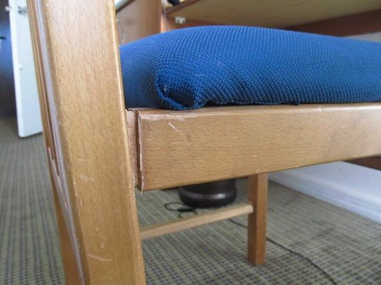 Novotel Cairo Airport : My 2nd desk chair replacement.