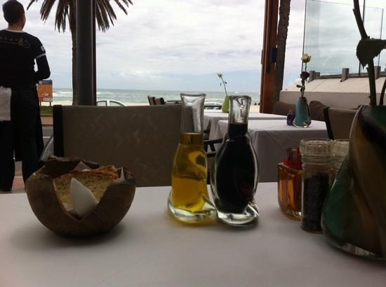 """Paranga: """"table view"""""""