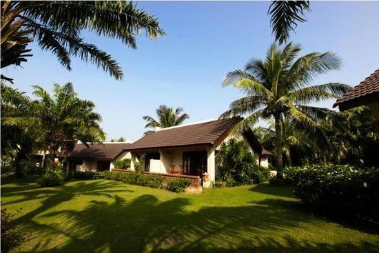 Palm Garden Beach Resort & Spa: Bungalow Garden View