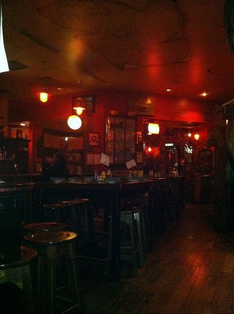 McMullan's Irish Pub: Bar Area