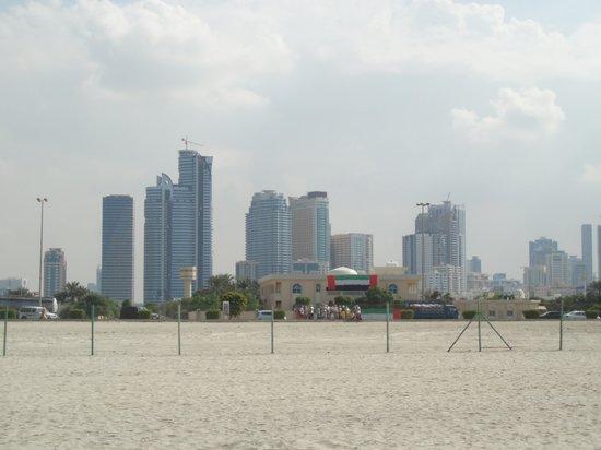 Citymax Sharjah : долгая дорога с пляжа