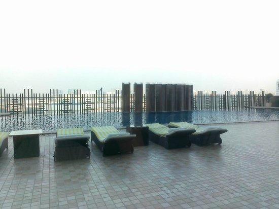 Holiday Inn New Delhi Mayur Vihar Noida: The Open to the Sky Pool Deck