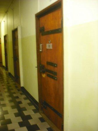 Jailhotel Loewengraben: corredor com quartos