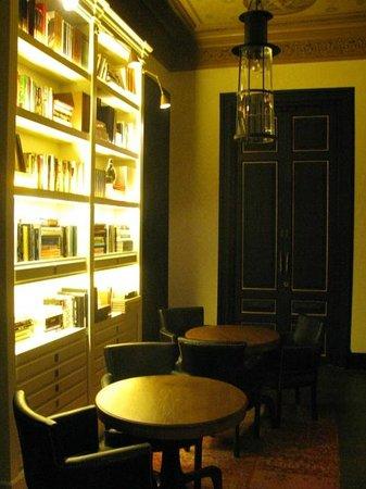 H10 Catalunya Plaza: La sala biblioteca