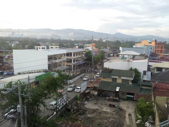 Alpa City Suites: Mountain View from the Room