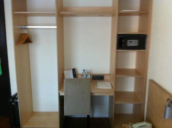 Ibis Styles Bern City: Chambre