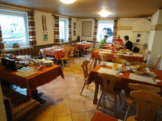 Rifugio Micheluzzi : la sala per la colazione