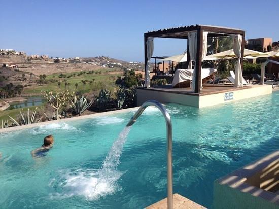 Sheraton Gran Canaria Salobre Golf Resort: busy pool !