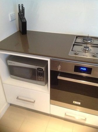 The Sebel Residences Melbourne Docklands: micro wave even oven inside the apt