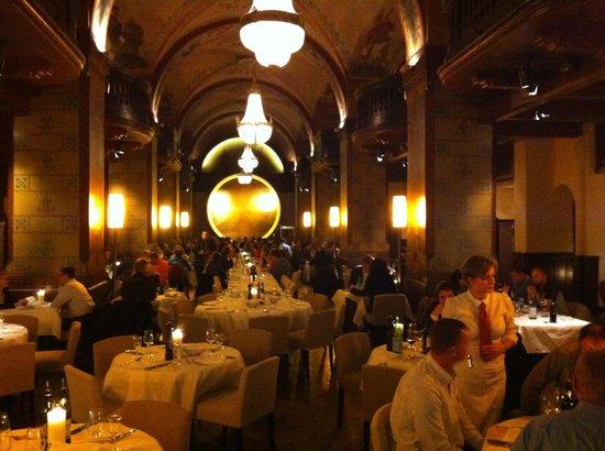 Kornhauskeller : Salle à manger