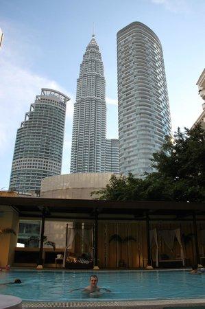 Corus Hotel Kuala Lumpur: Бассейн