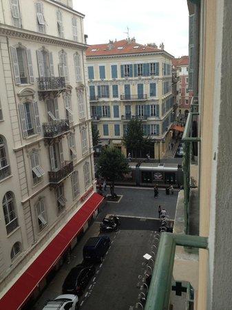 Faubourg Montmartre : Situation de l'auberge au centre de Nice
