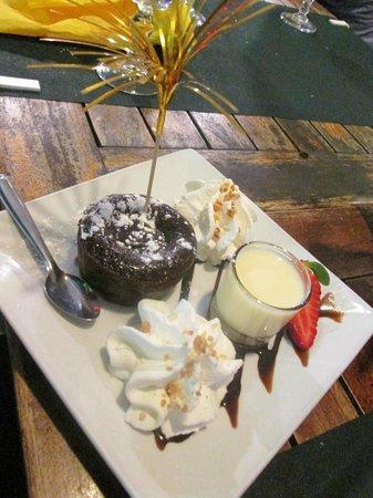 las Palmeras : tortino con cuore di cioccolato fondente